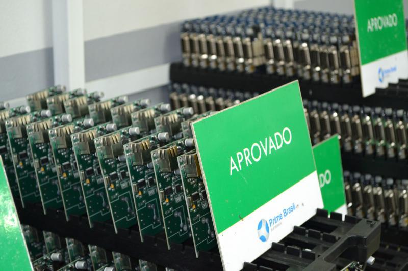 Confecção de placas eletrônicas
